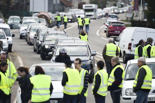 """Les """"gilets jaunes"""" comptent de nouveau bloquer la rocade de Toulouse ce dimanche"""