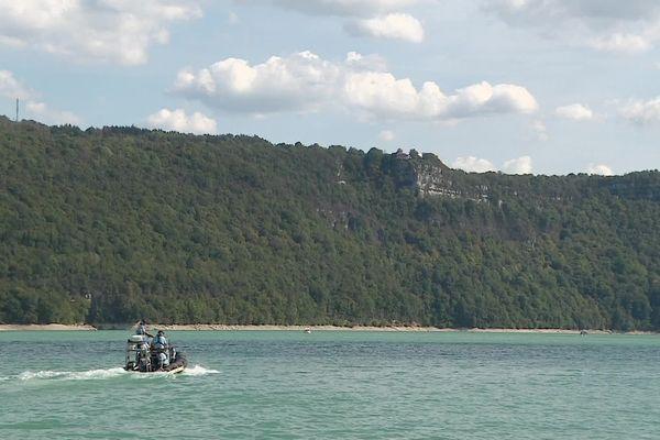Un plongeur de 57 ans est porté disparu sur le lac de Vouglans, dans le Haut-Jura.