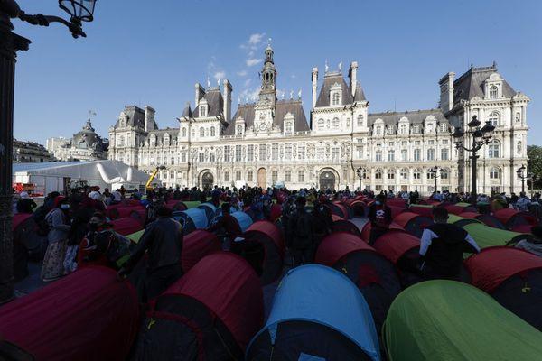 A la suite de cette action, 560 personnes ont obtenu un hébergement d'urgence.