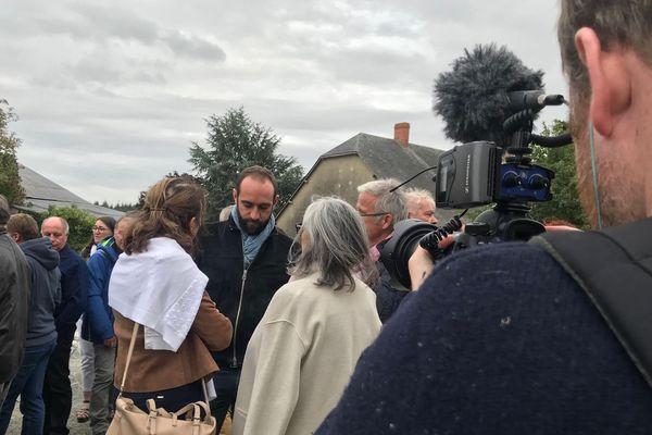 """Édouard Bergeon lors de la projection de son film """"Au nom de la terre"""" en Mayenne"""