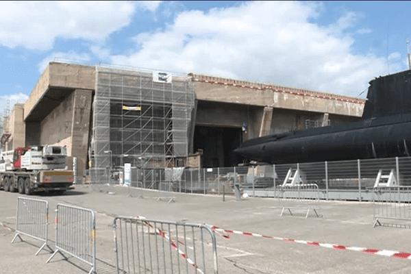 A Lorient, l'ancienne base de sous-marins poursuit sa mutation.