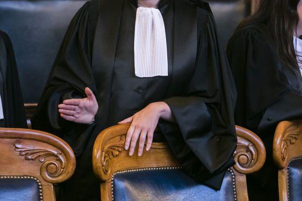 Les avocats se mettent en grève, le 5 décembre.