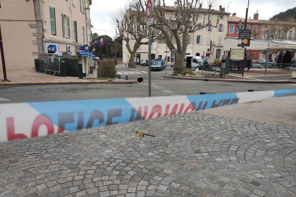 Une violente bagarre a opposé plusieurs individus en ce début d'après-midi, en plein centre-ville du Luc-en-Provence dans le Var.