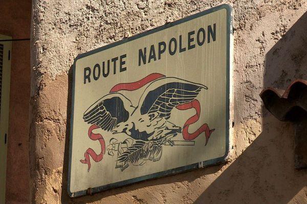 La route Napoléon ! Reliant la Côte d'Azur aux Alpes, elle couvre plus de 300 kilomètres.