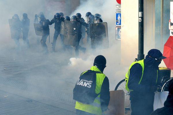 Pendant la manifestation des Gilets Jaunes à Rennes le 19 janvier 2019