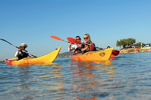 Illustration de sortie en kayak, à Sète.