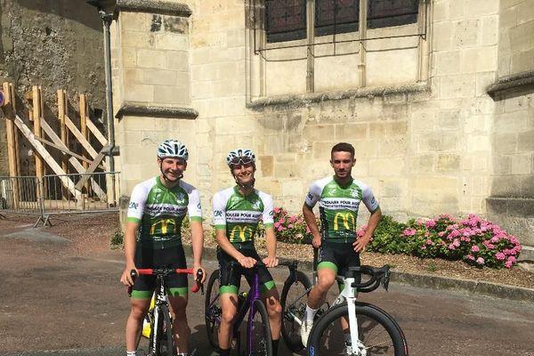 Hugo, Alexandre et Milan , trois amis  de Verneuil-en-Halatte se préparent  pour un  périple à  vélo fin   juillet au profit  des enfants malades del' hôpital Necker.