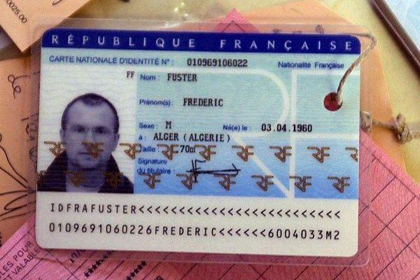 Faux papiers d'identité de Franck Perletto saisis lors de son arrestation, en mai 2003 à Richerenches (Vaucluse)
