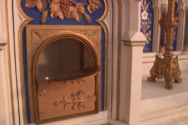 Eglise Saint-Etienne : le tabernacle a été fracturé.