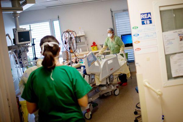 149 patients atteints par la covid-19 au CHU de Nantes, le pic épidémique d'avril est dépassé dès le début de novembre