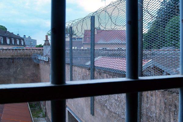 Archive : jugée vétuste et dangereuse pour les détenus et le personnel pénitentiaire, la prison de Lure avait été fermée en 2014.