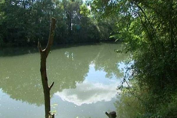 La Charente en contrebas de St Yrieix.