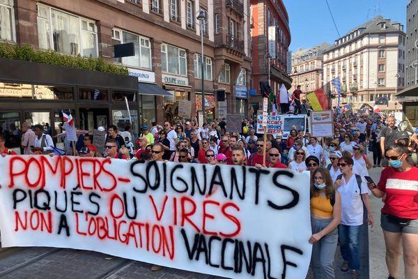 Plusieurs milliers de manifestants dans les rues de Strasbourg ce samedi 4 septembre contre le pass sanitaire