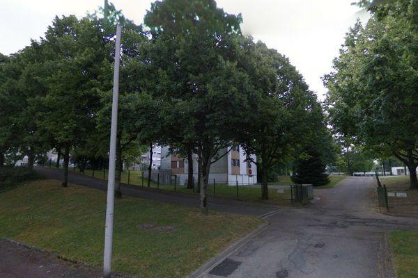 Allée Fabre d'Eglantine, quartier de Beaubreuil (Limoges)