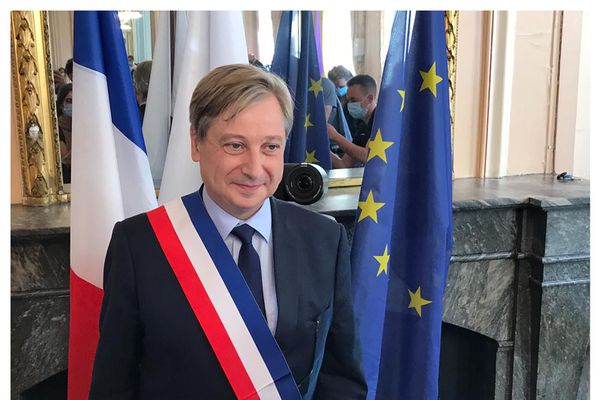 François Grosdidier, élu maire de Metz.
