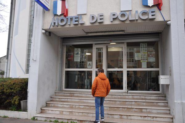 Celui qui revendique les faits s'est rendu lundi 29 janvier 2018 au commissariat de Chalon-sur-Saône