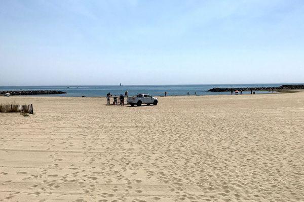 Sète (Hérault) - la plage de la Fontaine évacuée le temps de l'intervention des secours - 27 juillet 2020.