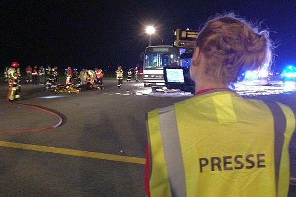 Montpellier - exercice de sécurité nocturne sur l'aéroport de Montpellier-Méditerranée - 5 mai 2015.