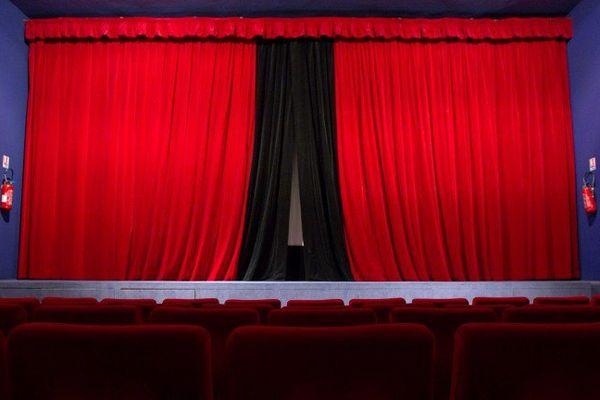 """Jean-Pascal Mouthier n' a pas payé ses loyers. Il est menacé d'expulsion. Son """"Théâtre de la Comédie"""" va devoir baisser le rideau"""