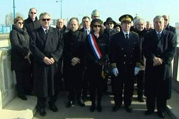 Familles, élus et autorités rassemblées dimanche matin à La Faute-sur-Mer