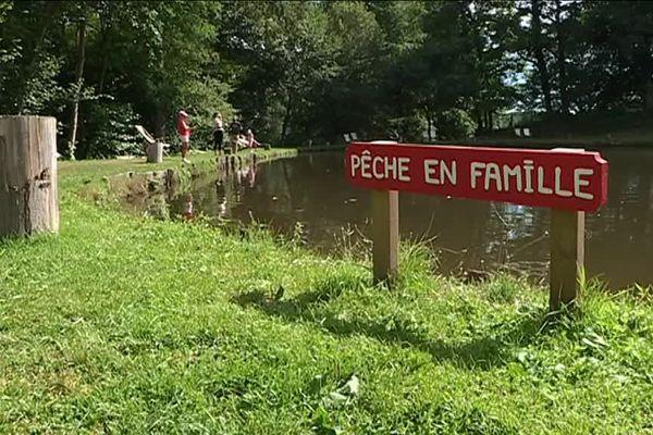 Pêche en famille à Coussac-Bonneval en Haute-Vienne