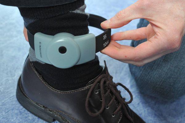 Le bracelet électronique dont était équipé l'homme en fuite ne disposait pas d'un module de géolocalisation.