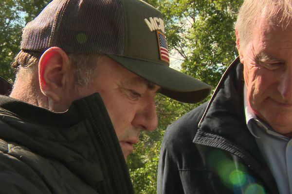 Fabien Oniente et Christian Signol, un réalisateur qui réalise un téléfilm sur le livre d'un auteur à succès, le tout en Périgord