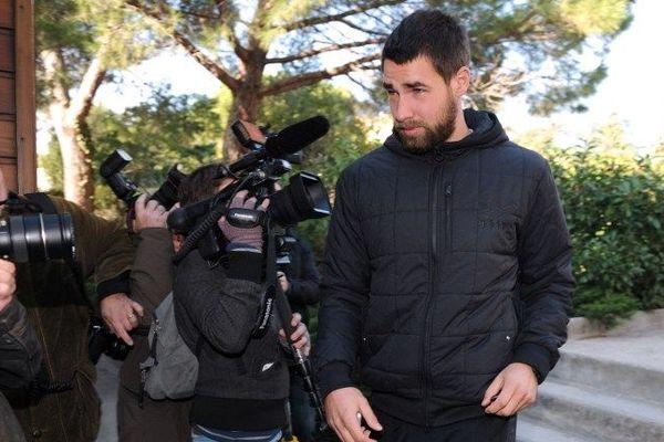 Luka Karabatic le 30 octobre 2012 devant le club MAHB