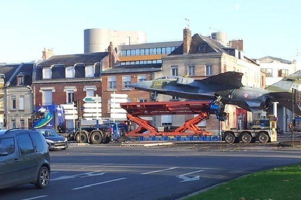 Le Jaguar du musée d'Albert dans les rues d'Amiens