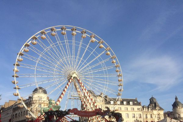 Malgré le silence de certains commerçants sur le sujet, le marché de Noël 2015 d'Orléans semble être une réussite