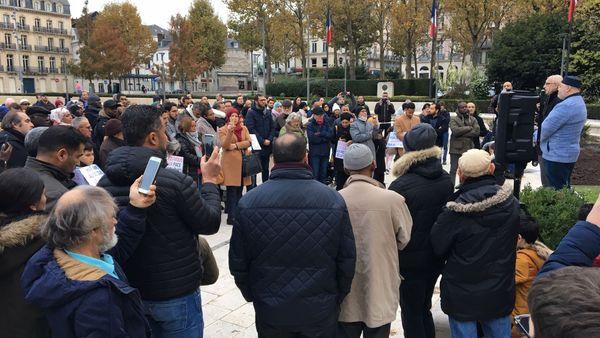 Yvon Robert, le maire de Rouen et Bachar El Sayadi, président de l'Union des Musulmans de Rouen, à la tribune