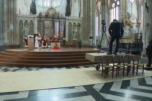 Durant le confinement, les messes de la cathédrale d'Amiens sont désormais retransmises en direct sur Facebook et Youtube