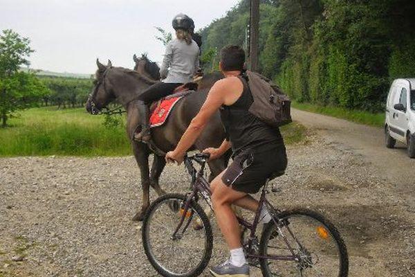 """Le parcours """"Trek & Bike"""" combine un cheval et un VTT."""