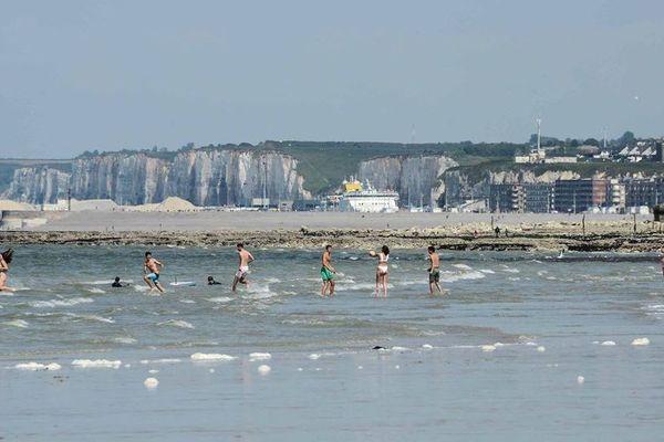 La réouverture des plages se fait sous des conditions strictes d'accès et de pratique.