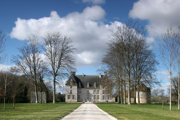 Un ciel de plus en plus nuageux dans le Calvados en ce VENDREDI, au château d'Aubigny.