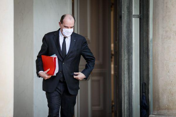Le premier ministre Jean Castex tient une conférence de presse ce jeudi 4 mars alors que 20 départements sont sous surveillance renforcée.