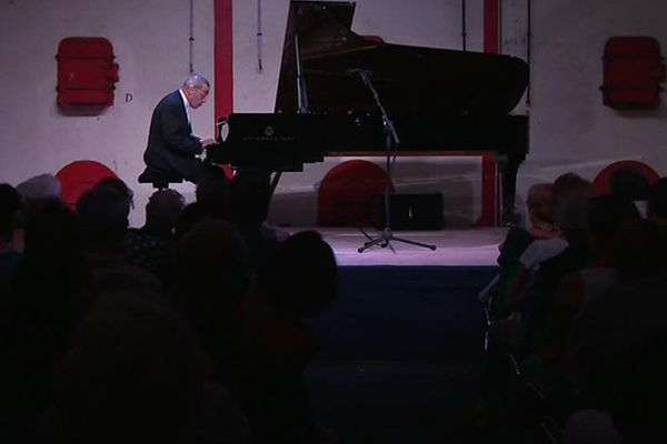 Le pianiste Alexander Paley vient pour la troisième fois.