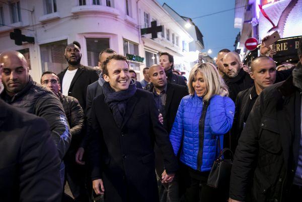 Le couple dans les rues du Touquet.