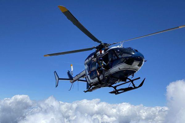 Un hélicoptère du PGHM de Chamonix, image d'illustration.