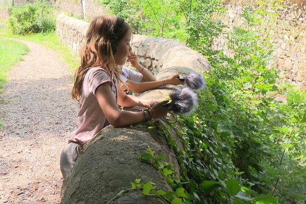 Séance d'enregistrement de la rivière du Ternay pour le projet Sonographies du Parc naturel régional du Pilat