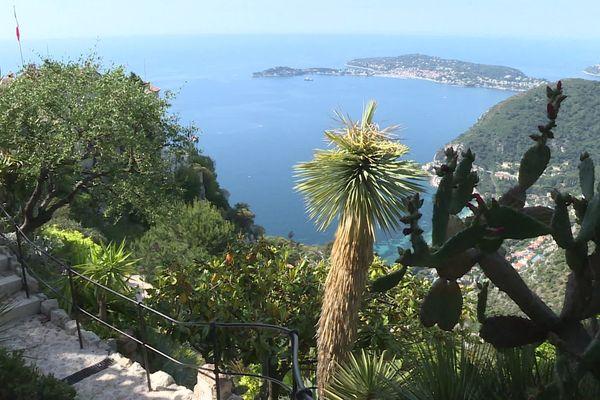 Le jardin exotique d'Eze (Alpes-Maritimes) offre un point de vue unique sur la mer Méditerranée et la Riviera.