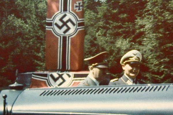 Adolf Hitler et Hermann Goering imposent leurs conditions à la France lors de la signature de l'Armistice le 22 juin 1940 à la clairière de Rethondes à Compiègne.
