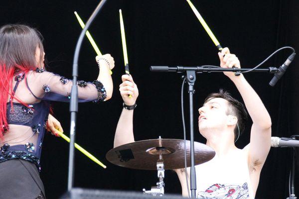 Anthéa et Virgile ont assuré comme des pros sur la Green Room, la scène secondaire du Main Square Festival.