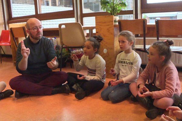 Dans cette école de Villard Bonnot une nouvelle méthode d'apprentissage est expérimentée.