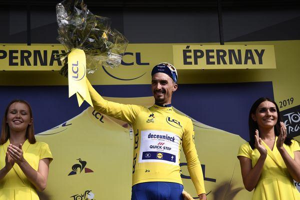 La victoire et le maillot jaune pour Julian Alaphilippe lors de la 3e étape du Tour de France.