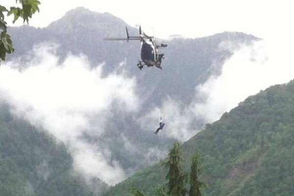 Une partie des habitants de Saint-Béat est évacuée par hélicoptère