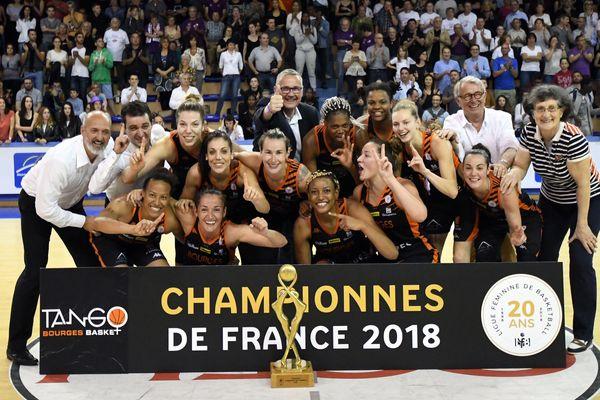 Avec ce titre, les Tango réalisent un doublé après avoir remporté la coupe de France en avril.