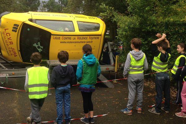Une opération de sensibilisation à la sécurité routière, dans l'Essonne.