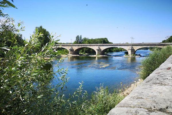 Le pont Georges V à Orléans