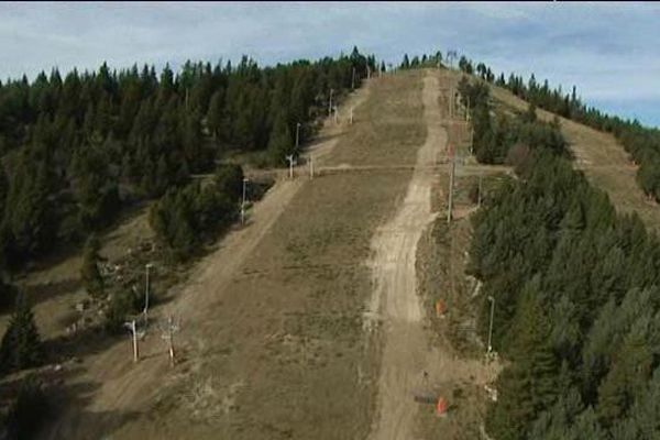 Novembre 2015 : les travaux s'achèvent sur la nouvelle piste de ski nocturne de Font-Romeu